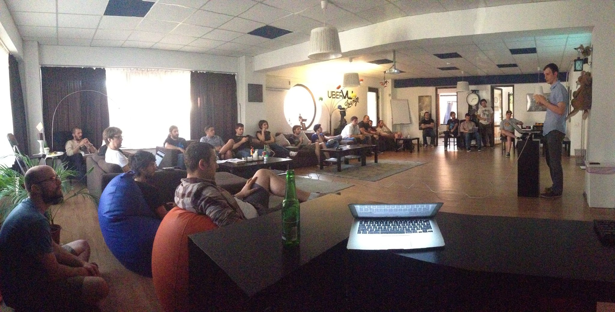 React Meetup (source)